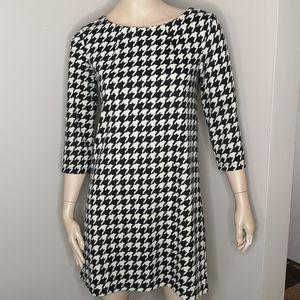 H&M Houndstooth Print Shift 3/4 Sleeve Dress